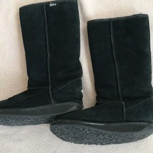 Emu Brand Black Lambswool Lined Boot